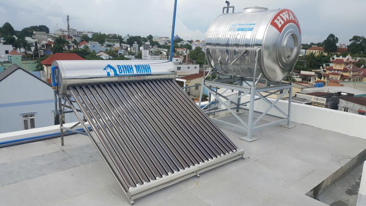 Bình nóng lạnh hay máy nước nóng năng lượng mặt trời?
